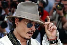 """""""Cướp biển"""" Johnny Depp gặp rắc rối vì nợ nần"""