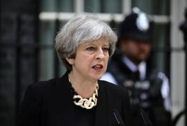 """""""Người nhà"""" nổi loạn, thủ tướng Anh chịu thất bại nặng nề"""
