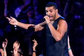 Kiện cáo giành lợi nhuận từ siêu sao Drake