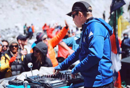 """DJ hàng đầu tổ chức tiệc âm nhạc ở """"nóc nhà thế giới"""""""