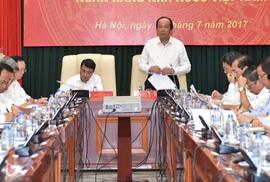 Thủ tướng yêu cầu có chính sách huy động USD trong dân