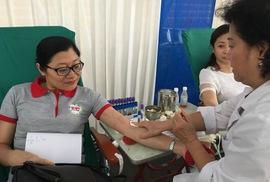 600 cựu học sinh hiến máu cứu nạn nhân TNGT