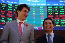 Thủ tướng Canada đánh cồng ở Sở Giao dịch chứng khoán TP HCM