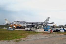 3 máy bay trị giá gần trăm triệu USD bị bán phế liệu