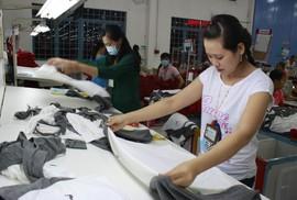 Lao động dệt may và điện tử dễ mất việc nhất