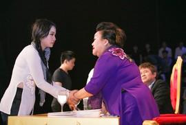 Sao Nối Ngôi: Những câu chuyện tình người khiến khán giả bật khóc