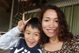 """Cách tiêu tiền của cậu bé 5 tuổi người Việt khiến mẹ """"choáng"""""""