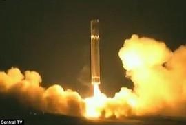 """Phi hành đoàn Cathay Pacific """"nhìn thấy"""" tên lửa Triều Tiên rơi"""