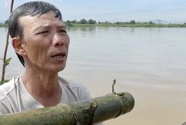 Cuối mùa săn cá bống ở đáy sông Trà Khúc