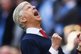 HLV Wenger hứa sẽ tặng huy chương nếu thắng Chelsea