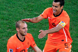 Sneijder chinh phục lịch sử