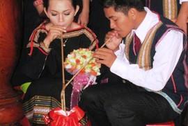 Thích quá đám cưới truyền thống Tây nguyên!
