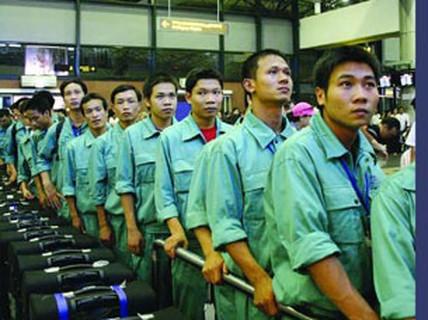 Trắng tay vì xuất khẩu lao động chui