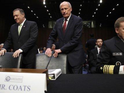"""Ông Trump yêu cầu 2 """"sếp"""" tình báo dừng cuộc điều tra Nga của FBI"""