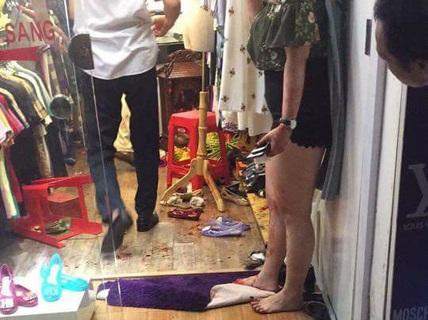 Thanh niên đâm trọng thương đôi nam nữ tại phố cổ Hà Nội