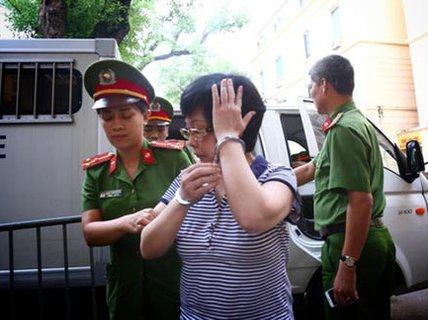 Châu Thị Thu Nga lãnh án chung thân