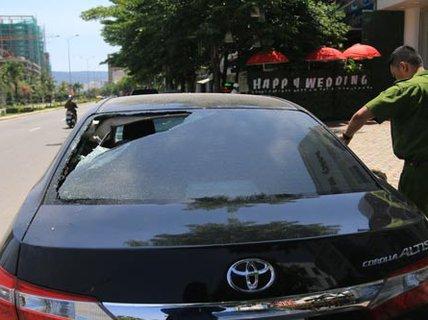 Khó bỏ thói quen đậu ô tô ngoài đường ?