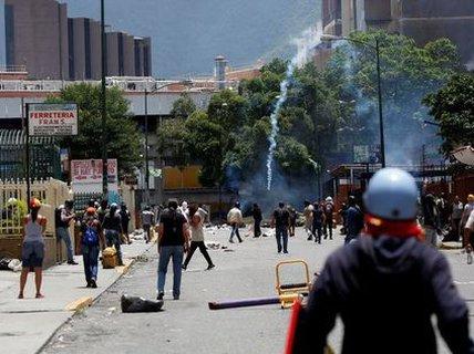 Venezuela: Đụng độ tại đình công triệu người, 3 người chết