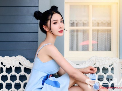 Sao nữ của Trung Quốc chết khỏa thân ở tuổi 28