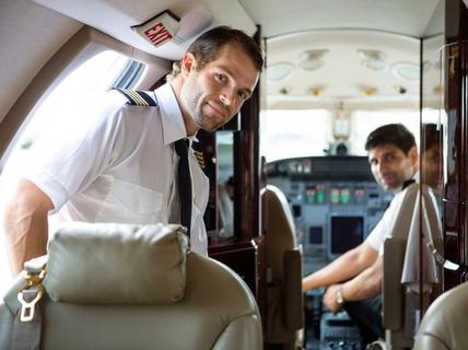 Nhân viên hàng không bật mí chuyện riêng tư