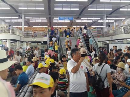 Ép khách thăm vịnh Hạ Long mua sắm ?