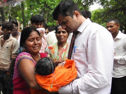 Ấn Độ: Trẻ em chết liên tục trong cùng một bệnh viện