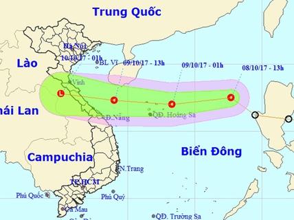 """Áp thấp nhiệt đới lao """"phi mã"""", miền Trung đối mặt mưa lớn"""