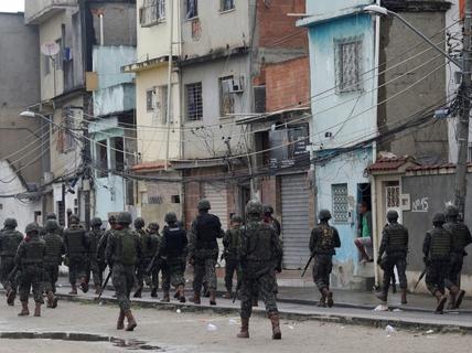 Brazil: Quân đội cũng bó tay với tội phạm?