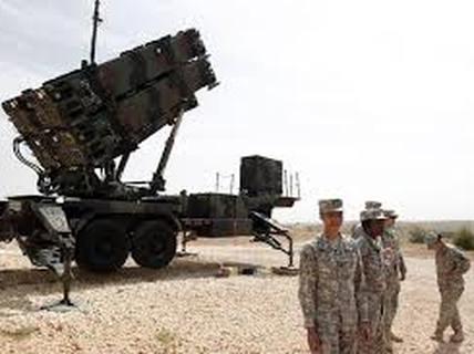 Máy bay không người lái 200 USD bị tên lửa triệu USD bắn hạ