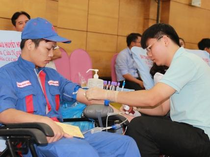 640 CNVC-LĐ SAMCO tham gia hiến máu nhân đạo