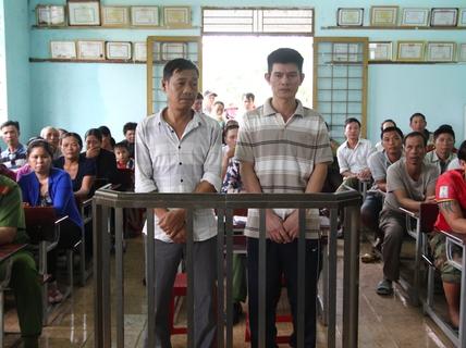 11 năm tù giam cho 2 đối tượng nhiều lần mua bán ma túy