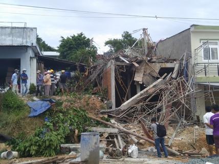 Sập giàn giáo ở Phú Quốc, 5 người thương vong
