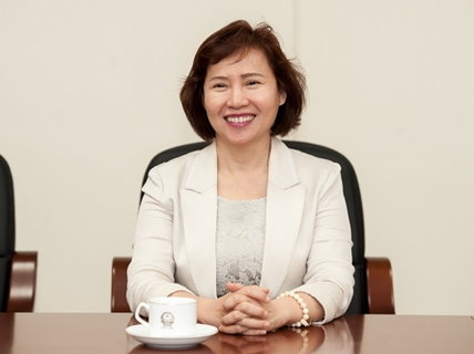 Thứ trưởng Hồ Thị Kim Thoa vi phạm nghiêm trọng