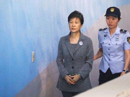 Cựu tổng thống Hàn Quốc trút uất ức ở tòa