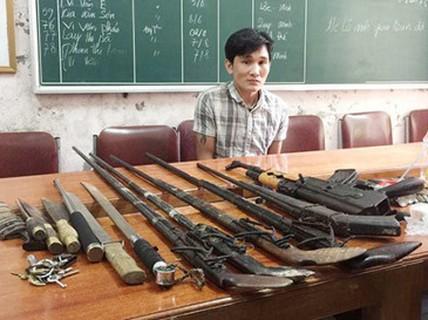 """Sắm AK cùng """"kho vũ khí nóng"""" lập lán buôn ma túy"""