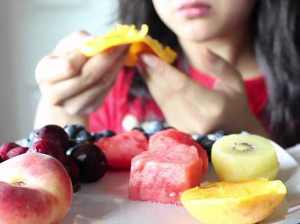 Bạn có đang ăn trái cây theo những cách gây hại sức khỏe?