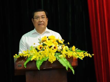 """Chủ tịch TP Đà Nẵng Huỳnh Đức Thơ: """"Đừng lo chuyện ông mô đi, ông mô ở"""""""