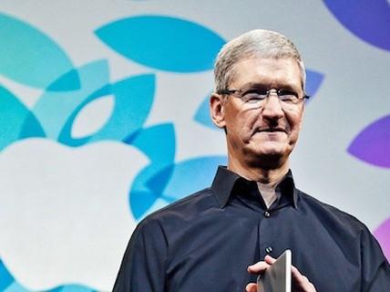 Tim Cook bị Apple hạ lương vì doanh thu kém