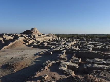 Cứu thành phố 5.000 tuổi bằng cách... chôn lại xuống đất