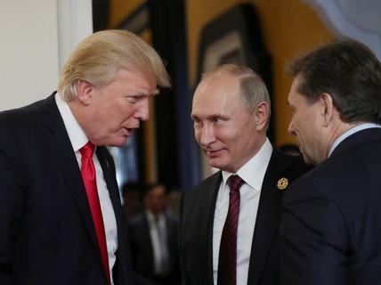 """Ông Donald Trump """"nhường"""" sân chơi hậu chiến Syria cho Nga"""