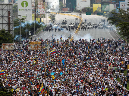 Đụng độ bạo lực trên cả nước Venezuela