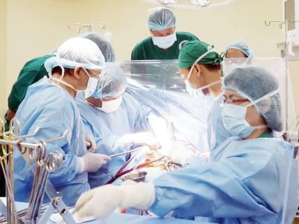 Ca bệnh lạ van tim bị vôi hóa
