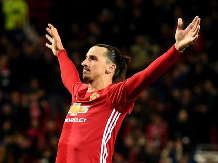Mourinho: Ibrahimovic bị bệnh nhưng sẽ đá trận gặp Liverpool