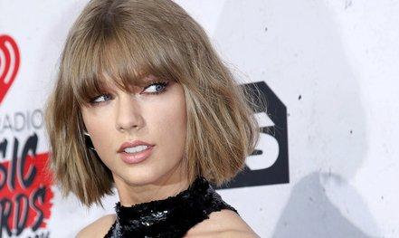 """Taylor Swift phản bác đơn kiện """"đạo nhạc"""""""