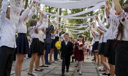 Chùm ảnh đẹp về ngày tựu trường ở 12 quốc gia trên thế giới