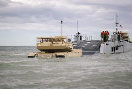 Cận cảnh NATO tập trận rầm rộ sát biên giới Nga