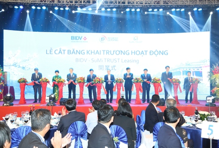 Khai trương liên doanh cho thuê tài chính đầu tiên tại Việt Nam