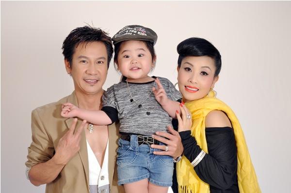 Gia đình hạnh phúc của Kiều Oanh trước khi cặp đôi này chia tay