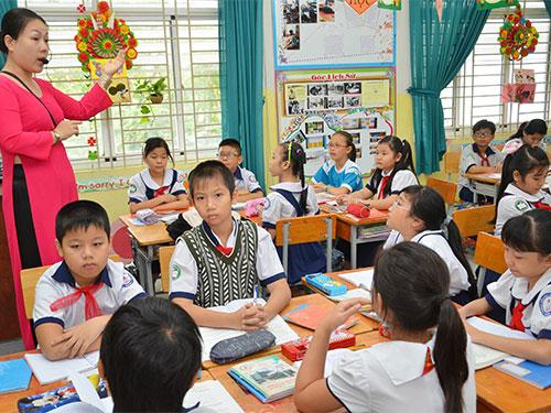 Một tiết học thử nghiệm theo VNEN của học sinh lớp 5 Trường Tiểu học Nguyễn Văn Trỗi, quận 4, TP HCM Ảnh: TẤN THẠNH