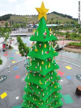 Những cây thông Noel ấn tượng nhất thế giới
